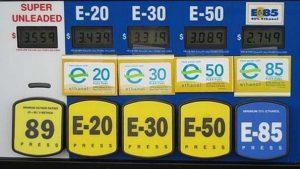 pump-with-multiple-ethanol-gasoline-blends_100442137_m